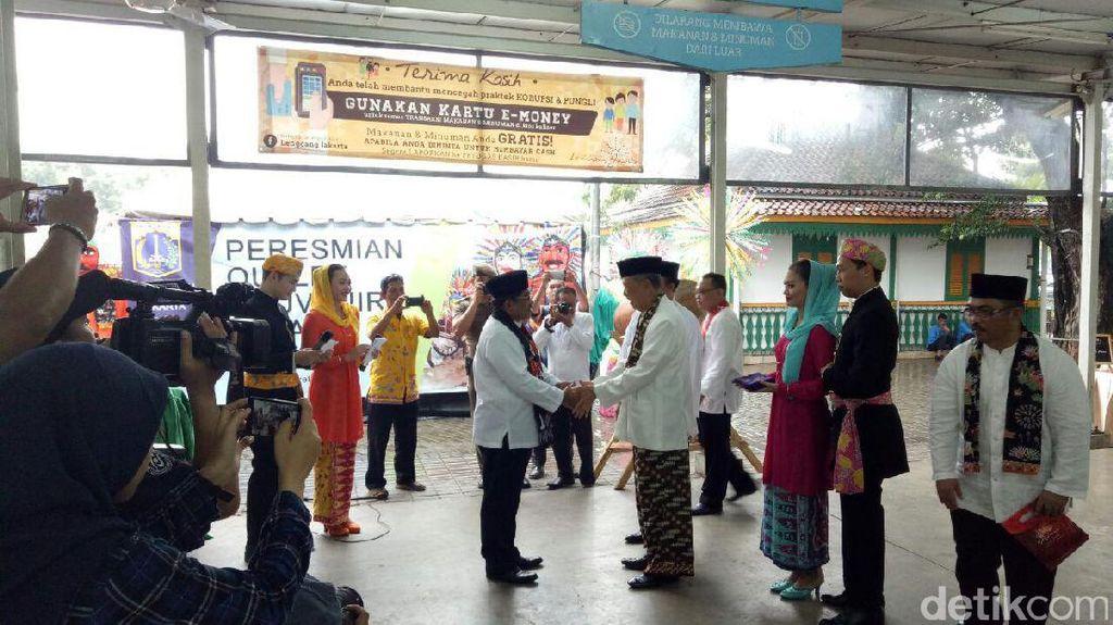 Plt Gubernur DKI Resmikan Outlet Betawi Store di Monas