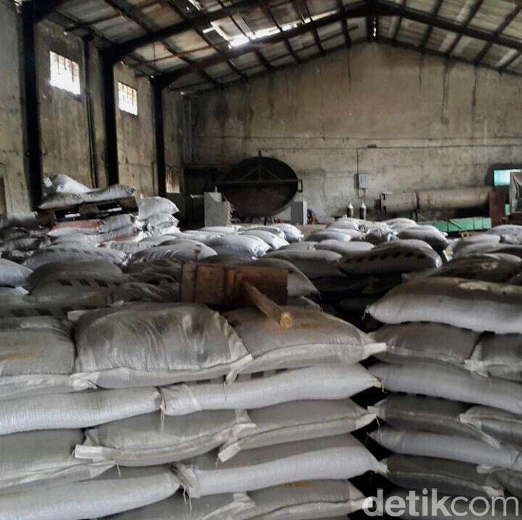 Gerebek Pabrik di Cianjur, Polisi Temukan 209 Ton Pupuk Palsu