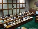 Sri Mulyani Dicecar Pertanyaan, Rapat Komisi VI Memanas