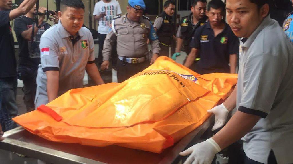 Jenazah Terduga Teroris Cilegon Tiba di RS Polri
