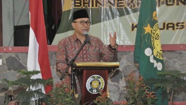 Ketua Kita Harus Berdaulat Agar - Medan Ketua MPR RI Zulkifli Hasan kembali berkunjung ke Sumatera Utara Kali ia melakukan sosialisasi pilar di Universitas