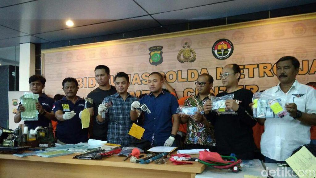 Polisi Tangkap Pencuri Modus Pecah Kaca Mobil di Jagakarsa