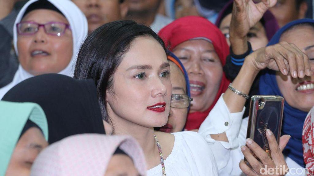 Mulan Jameela Ceritakan Asal Mula Jualan Cilok dan Ceker