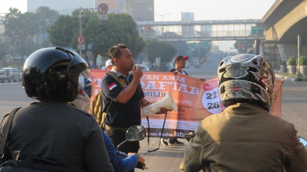 KPUD Jakbar Sosialisasi DPS di Perempatan Jalan