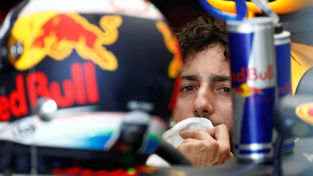 Ricciardo Yakin Bisa Saingi Salah Satu Pebalap Mercedes