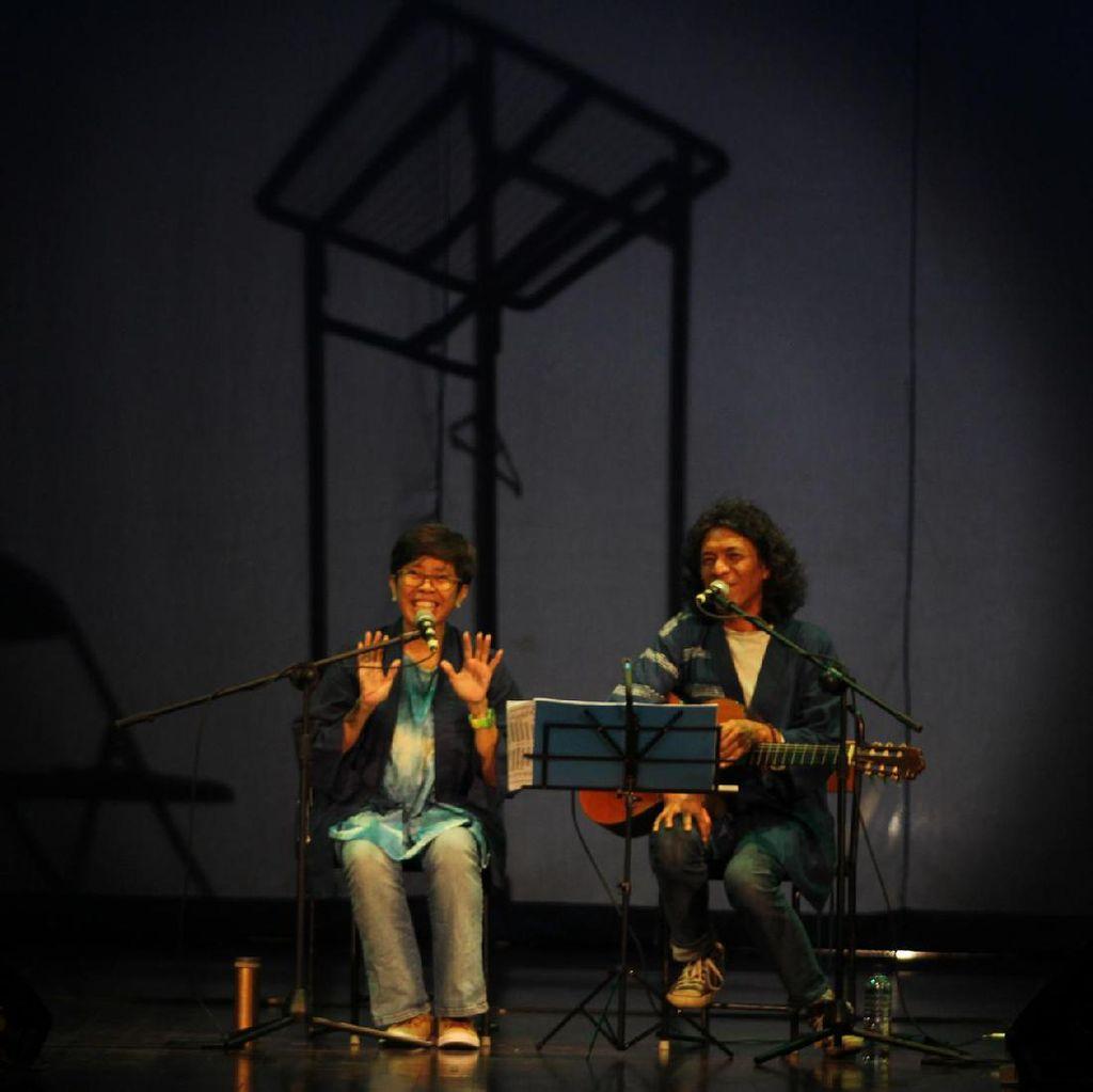 Cerita Reda Gaudiamo dari AriReda Tertarik Menyanyikan Puisi Goenawan Mohamad