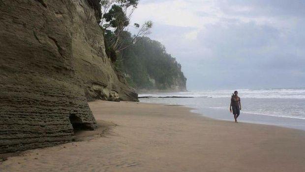 Pantai Simatalu di Kepulauan Mentawai (Imran Rusli/d'Traveler)