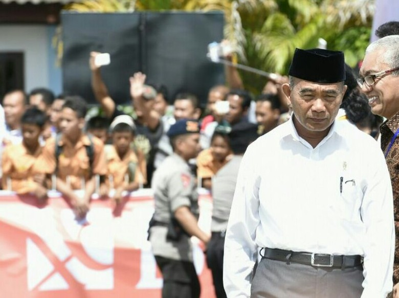Sekarang USBN Penentu UN Malah - Jakarta Ujian Sekolah Berstandar Nasional tingkat baru saja selesai Bulan giliran tingkat yang akan ada yang belum paham