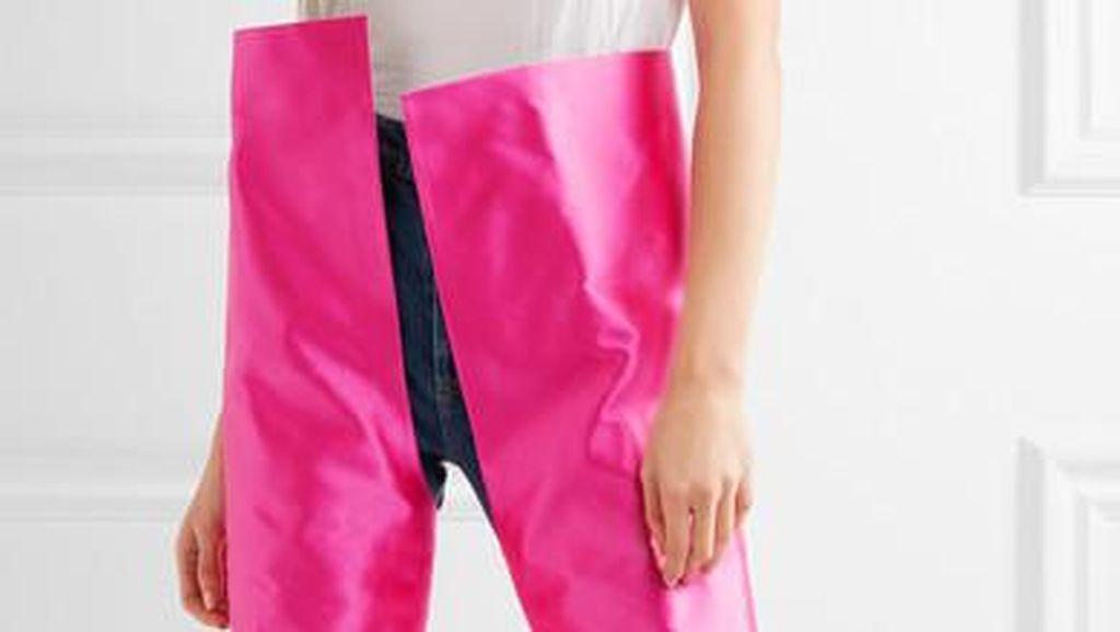 Boots Rp 56 Juta yang Mirip Celana Ini Ramai Diperbincangkan Netizen