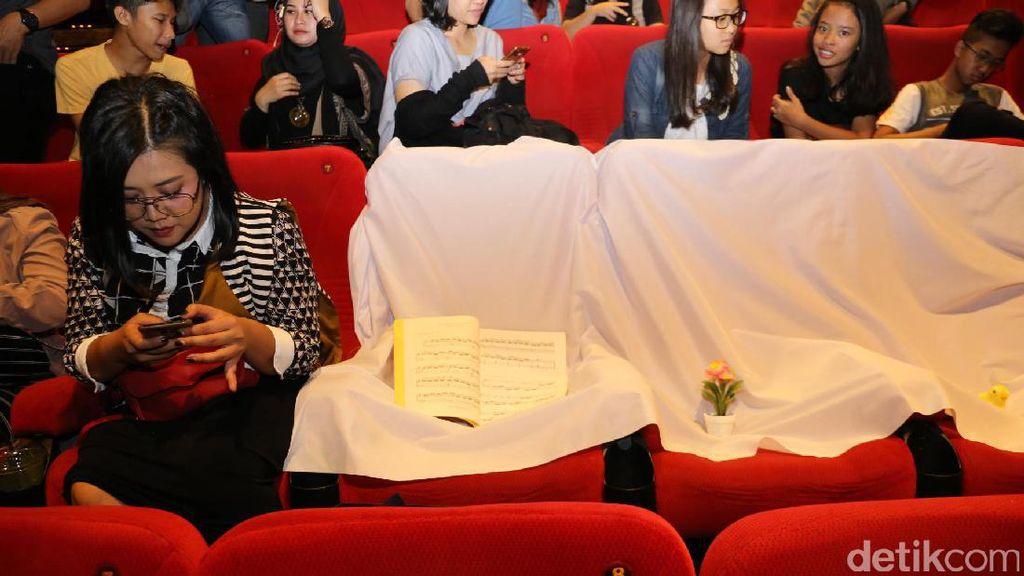 Tiga Bangku Kosong dan Kemeriahan Premiere Danur di Bandung