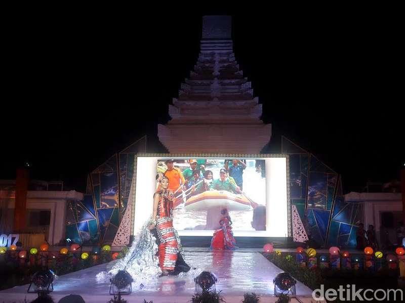 Festival Fashion Daur Ulang di Banyuwangi Digelar Meriah