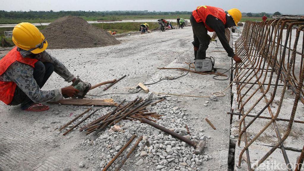 Cara Jokowi Percepat Pembangunan Tol Trans Sumatera