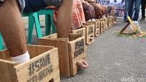 Aksi Solidaritas, 5 Simpatisan Cor Kaki di Palembang