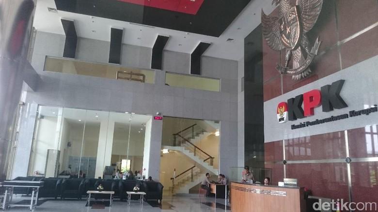 KPK Pelajari Putusan Praperadilan Setya - Jakarta KPK kalah dalam praperadilan yang diajukan Setya Novanto dan menghasilkan lepasnya Ketua DPR tersebut dari status tersangka