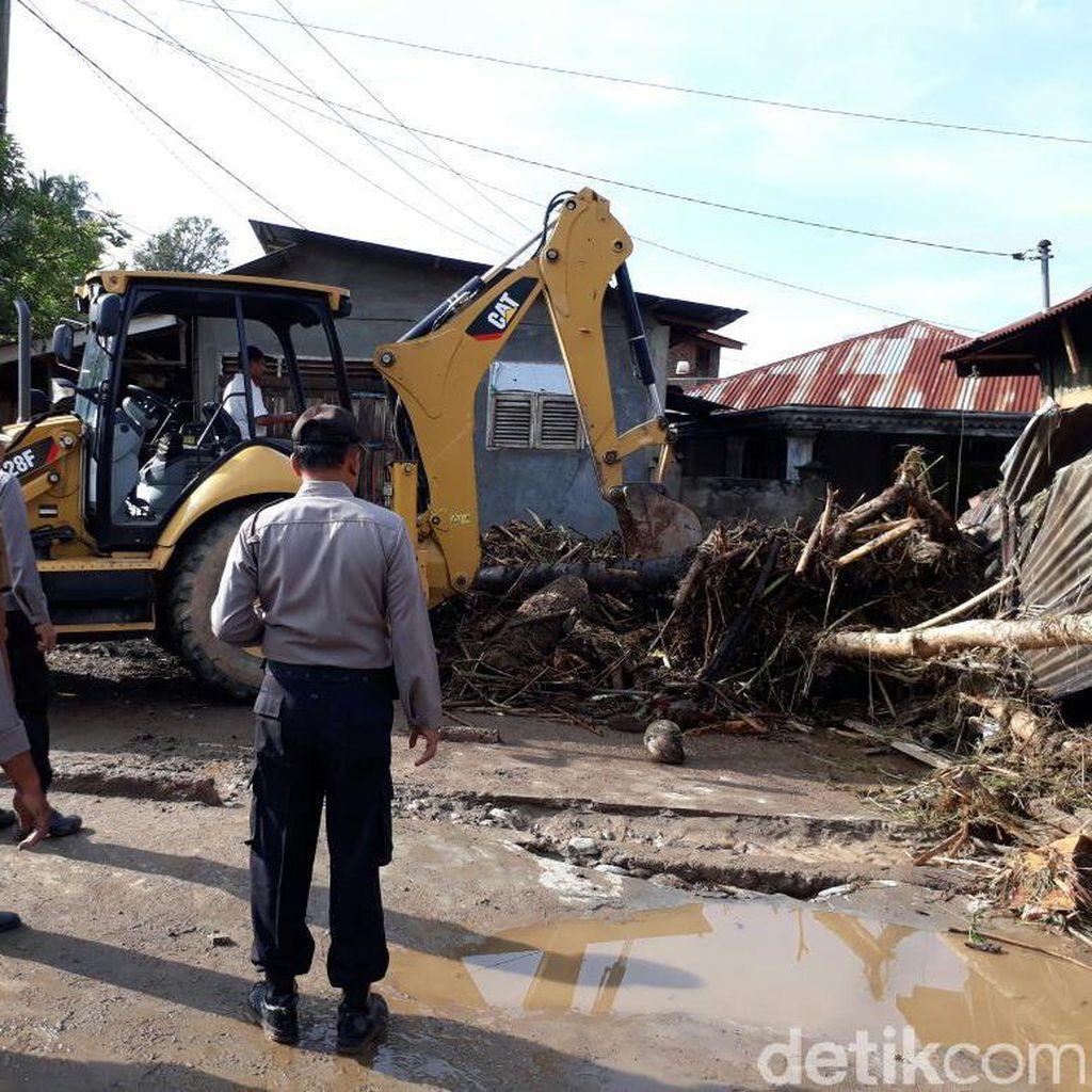 Banjir di Padangsidimpuan Rusak 17 Rumah, Hanyutkan 7 Kendaraan
