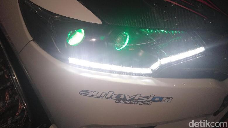 Lebih Irit, Ini Tips Pemasangan Lampu LED di Mobil