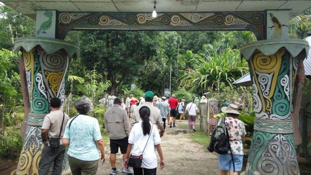 Saat Turis Australia Terpesona Alam Biak Numfor, Papua