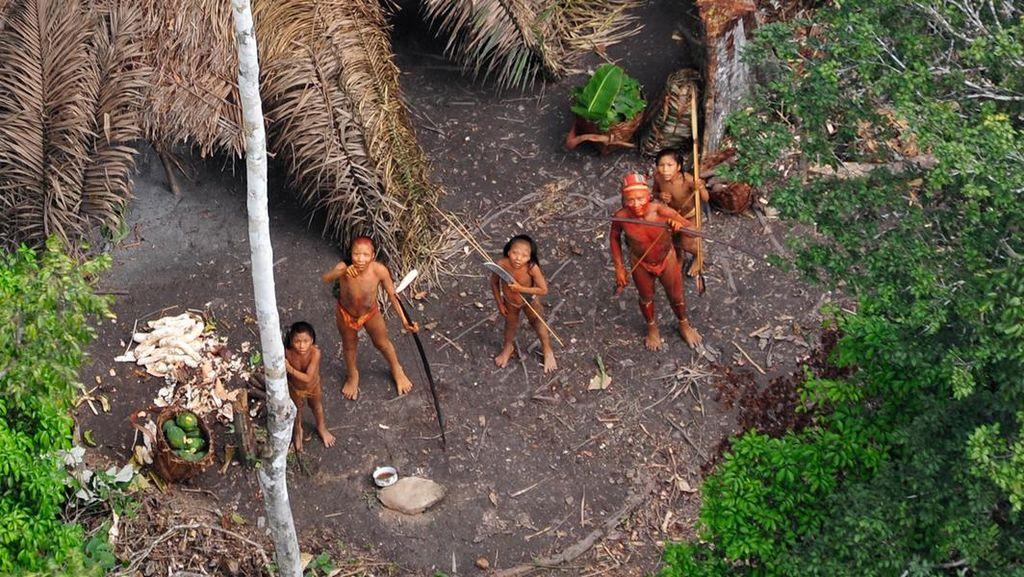 Mengapa Suku-suku Pedalaman Menolak Dunia Luar?
