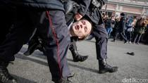 Demo PM Rusia, Ratusan Demonstran Ditahan