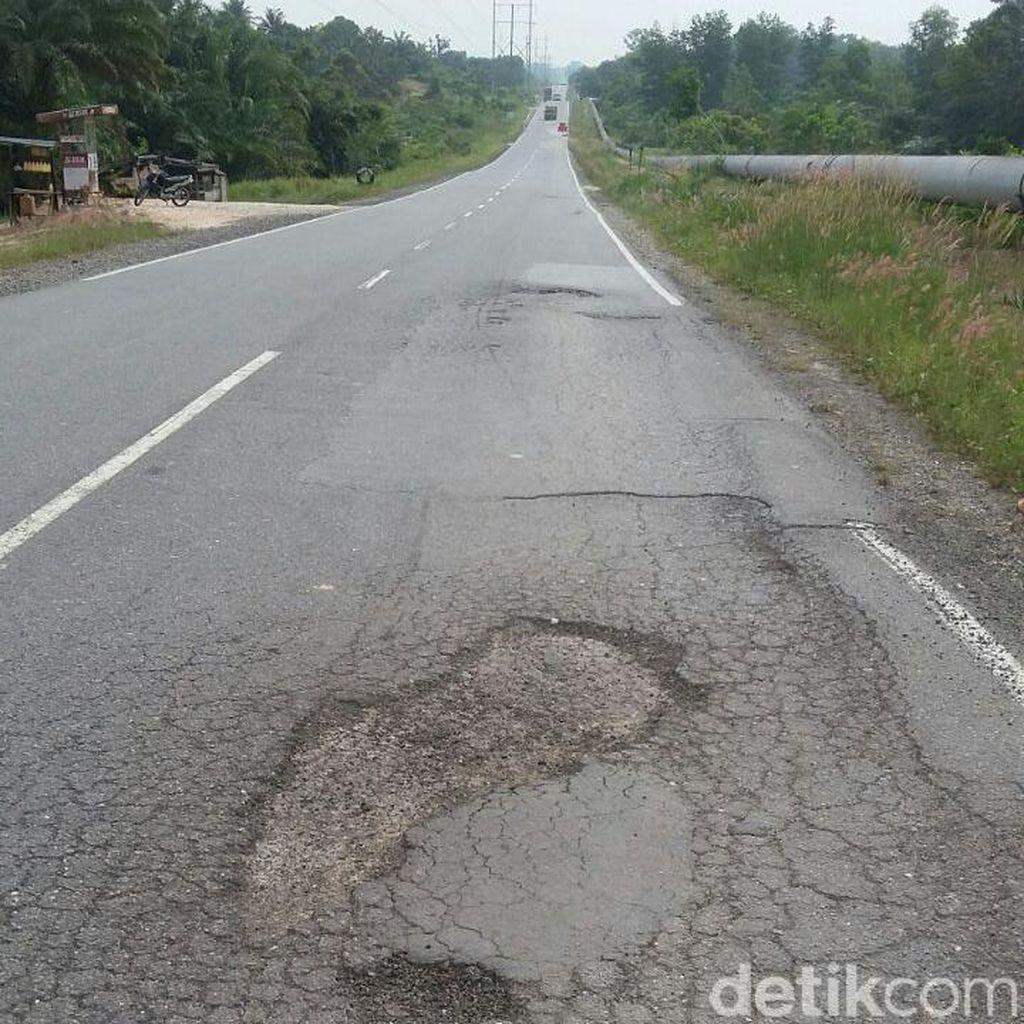 Jalanan di Siak Bergelombang dan Berlubang, Rawan Kecelakaan