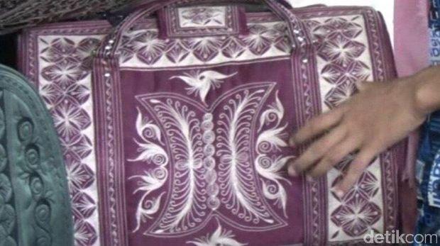 Tas motif asal Lhokseumawe Aceh
