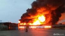 Kebakaran Terjadi di Tanjung Emas Semarang
