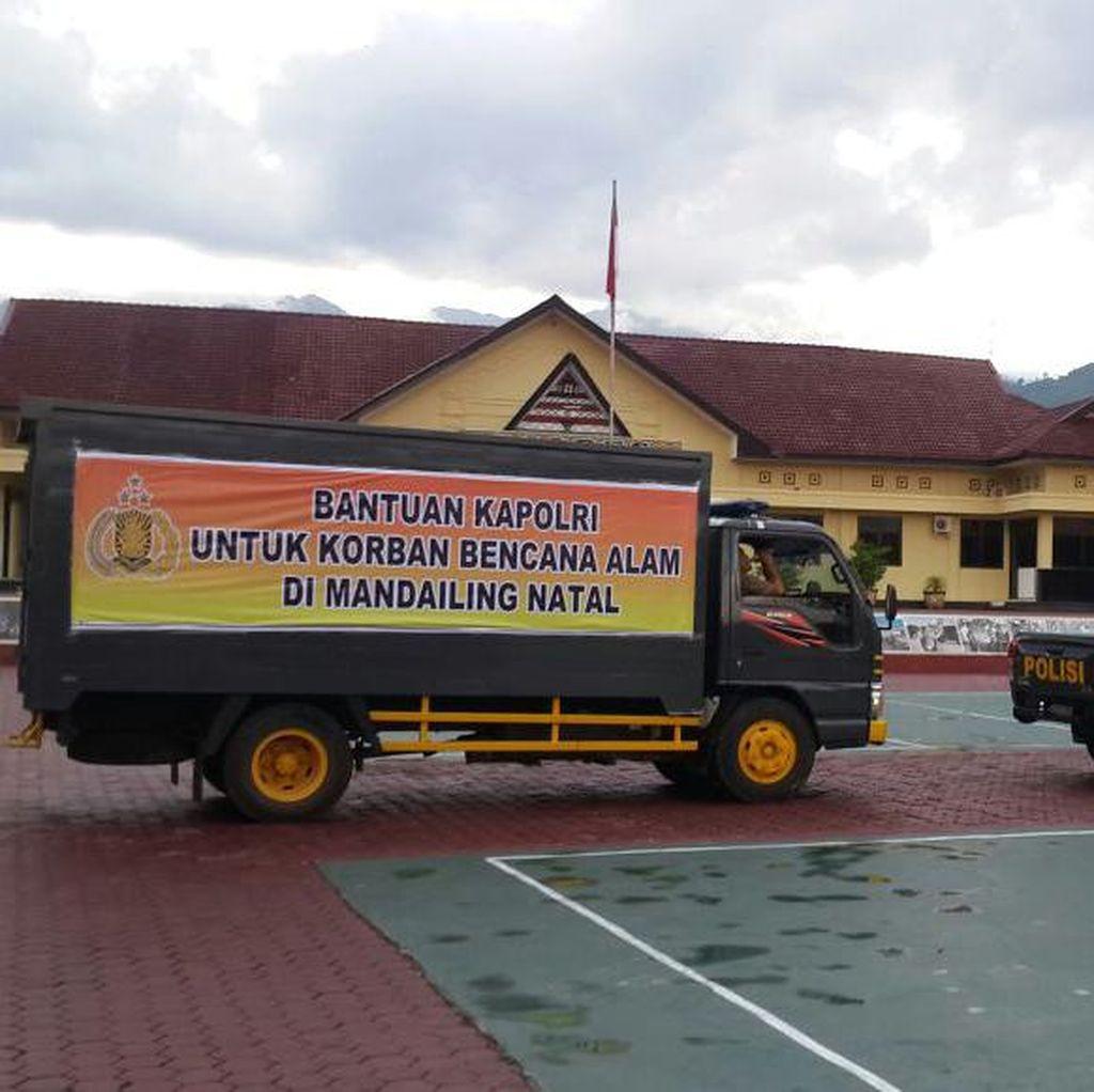 Seribuan Orang Masih Mengungsi Pasca-banjir di Padangsidimpuan
