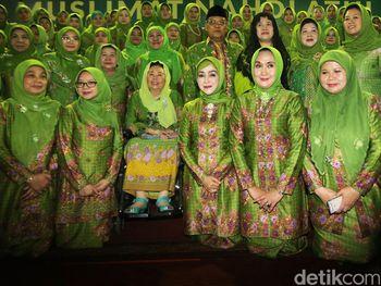 Puan dan Sinta Nuriyah Hadiri Harlah ke-71 Muslimat NU