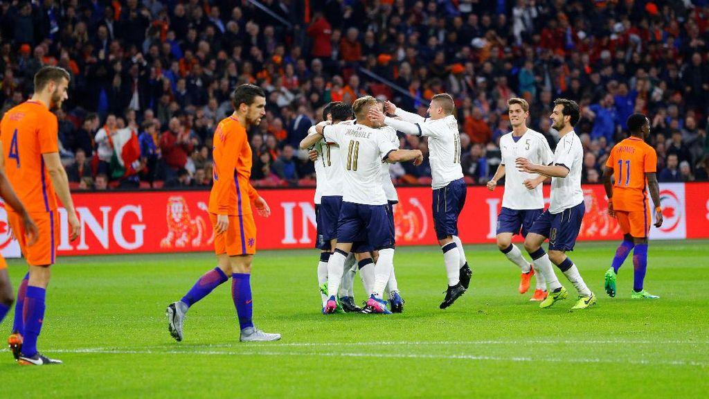 Italia Kalahkan Belanda 2-1