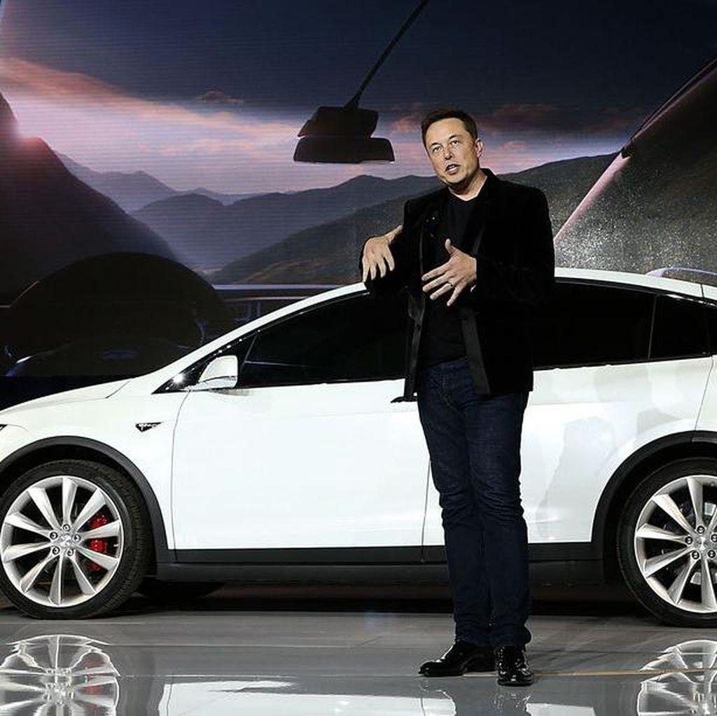 Pemilik WeChat Borong Saham Tesla