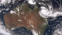 Topan Debbie Terjang Wilayah Timur Laut Australia