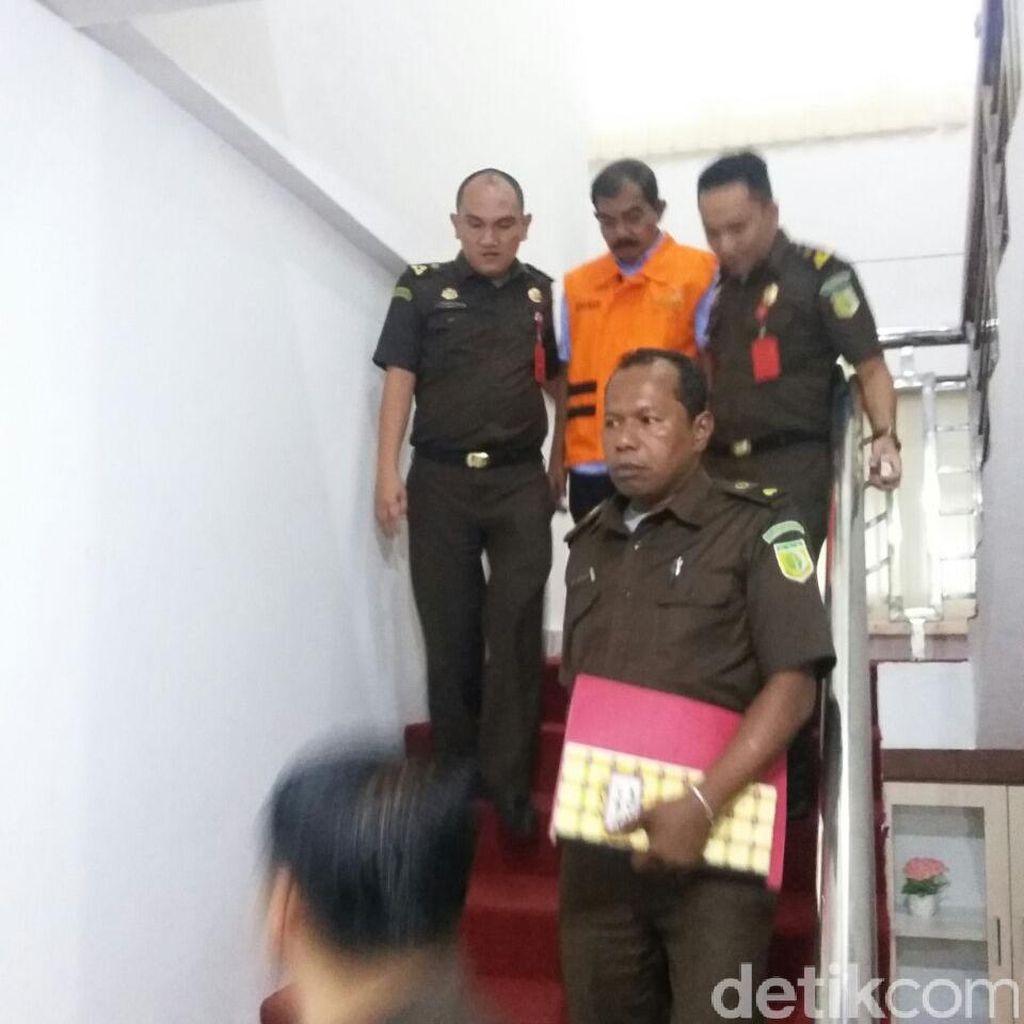 Korupsi Proyek Jembatan, Esk Kadis PU Rohil Ditahan Jaksa