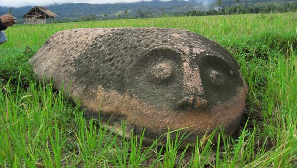 Ada Patung Seperti Pulau Paskah di Poso