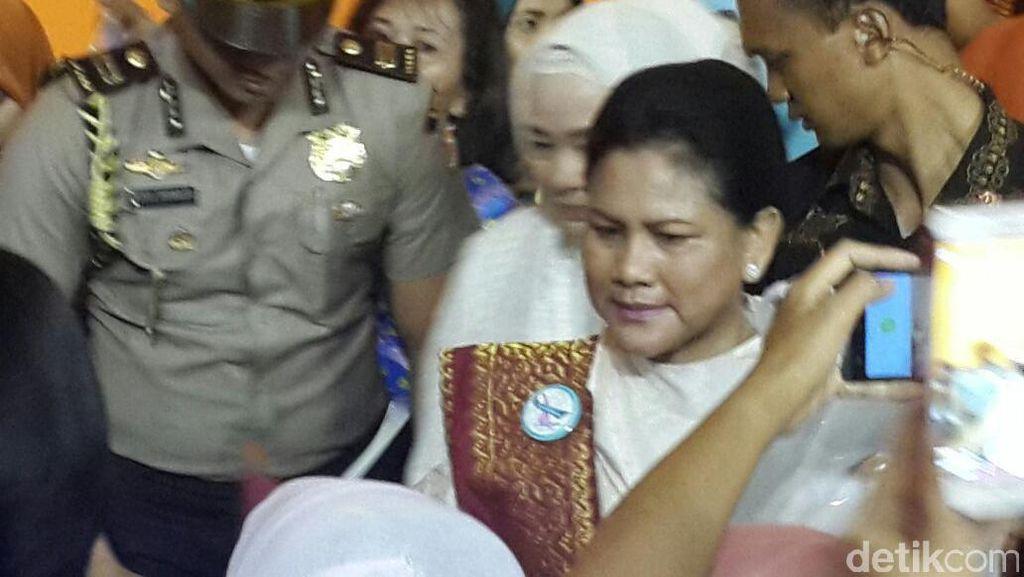 Ajak Guru Dialog, Iriana Berperan Jadi Anak TK yang Ngambek