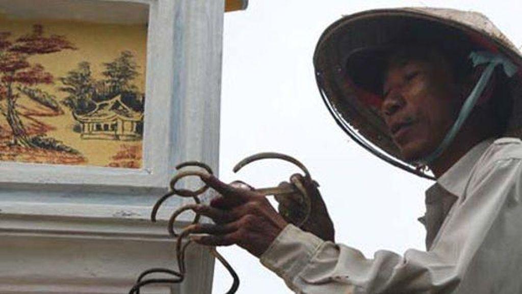Foto: Pria yang Tidak Pernah Gunting Kukunya Selama 35 Tahun