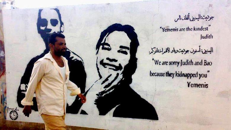 Di Tengah Konflik Perang Yaman, Duo Street Artist Serukan Perdamaian