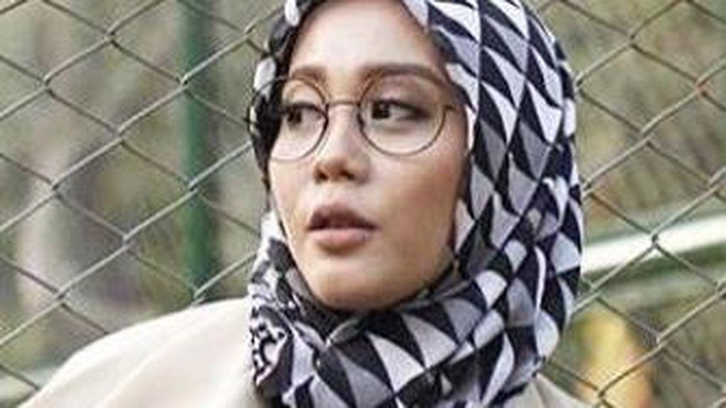 Warna-warni Gaya 5 Peserta Sunsilk Hijab Hunt 2017 dengan Jilbab Bermotif