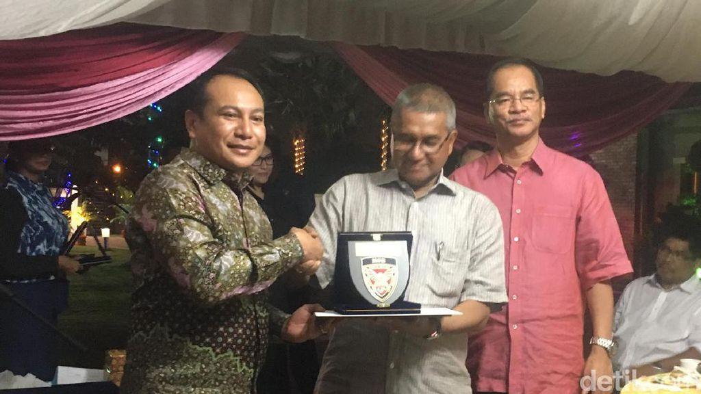 Penghargaan Divisi Khusus PDRM untuk Polri atas Pembebasan Ling Ling
