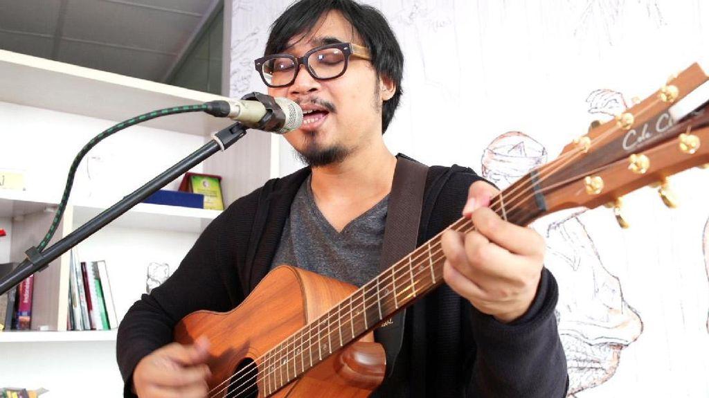 Album 8 Tahun dari Adhitia Sofyan dan Cerita di Baliknya