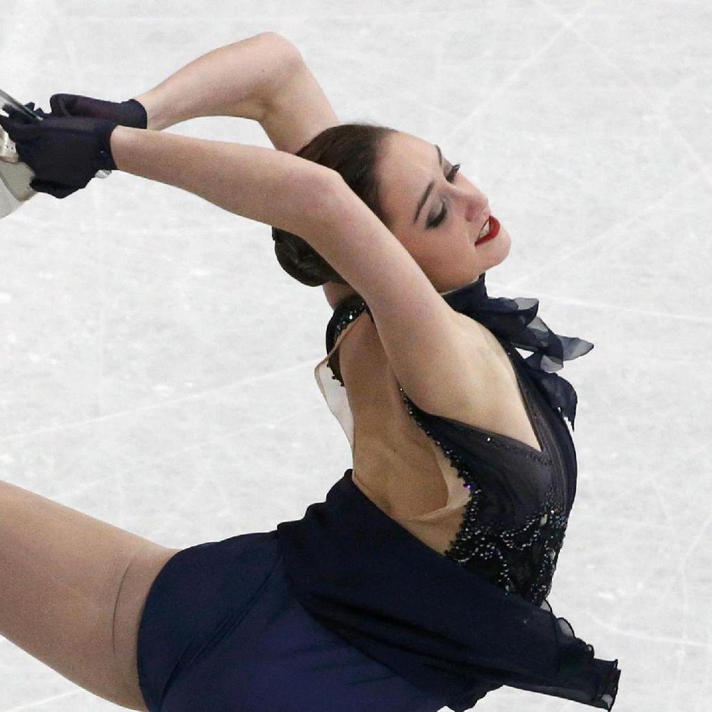 Liukan Indah Atlet Ice Skating di Ajang Dunia