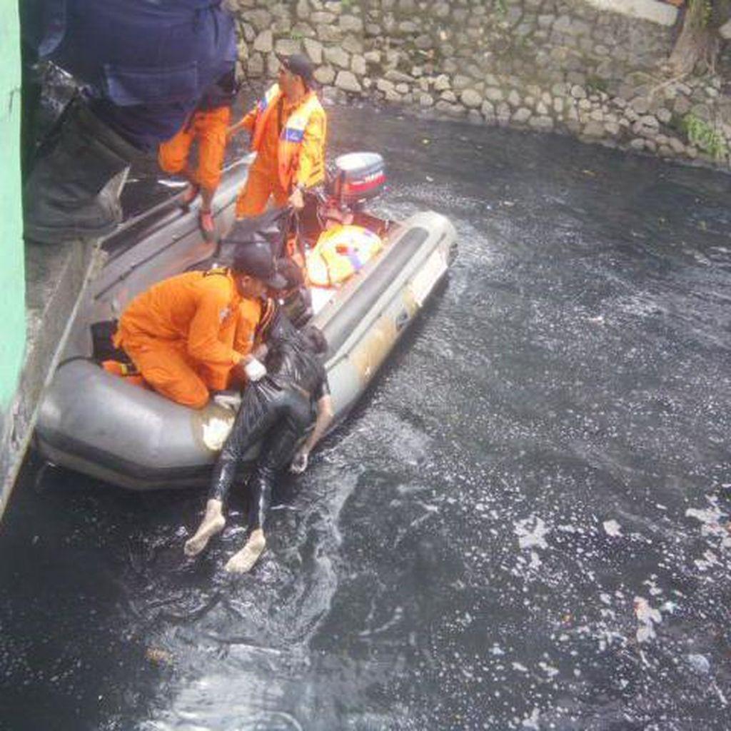 Jasad ABG yang Tenggelam di Kali Item Kamayoran Ditemukan