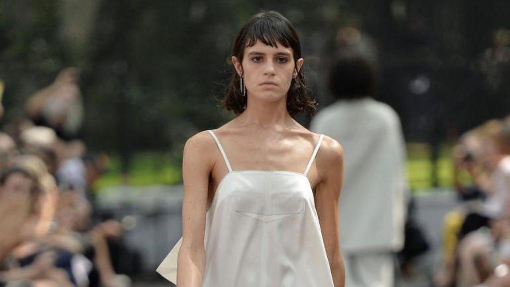 Iklan Fashion Paling Provokatif, Tampilkan Pasangan Sedang Bercinta
