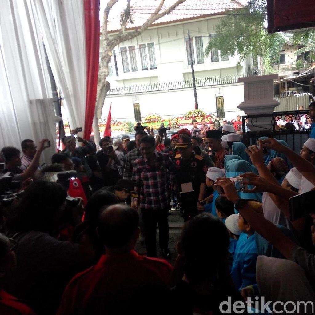 Megawati dan Djarot Hadiri HUT Banteng Muda Indonesia