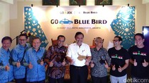 Go-Jek dan Blue Bird Resmikan Go-Blue Bird