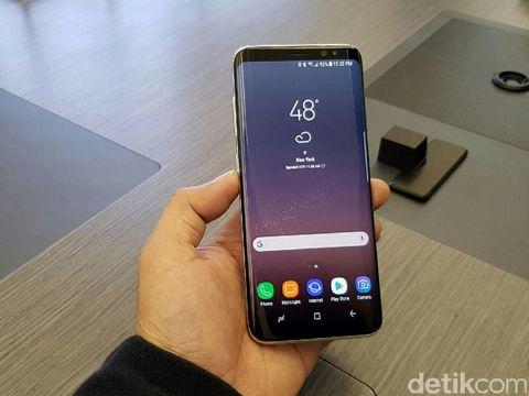 'Layar Lengkung Adalah Samsung'
