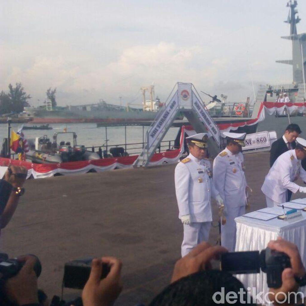 KSAL Resmikan 2 Kapal Perang Karya Anak Bangsa di Batam