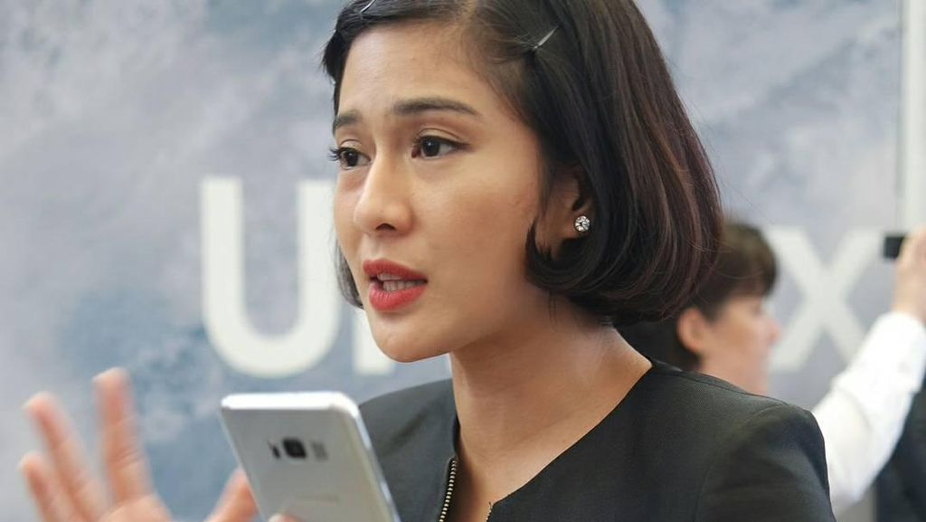 Dian Sastro dan Galaxy S8, Cara XL Goda Pelanggan