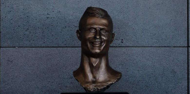 Purjito: Patung Ronaldo yang Diolok-olok Anatominya Tak Imbang