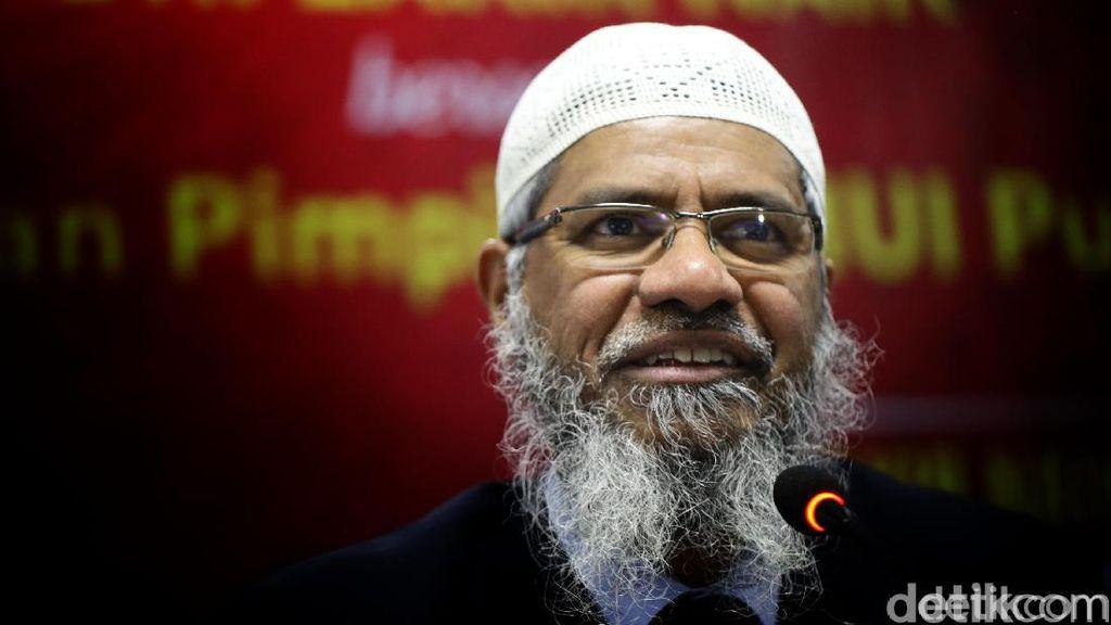 Malaysia Pastikan Zakir Naik Punya Status Permanent Residence