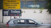 Banjir Besar Landa Australia Timur, Warga Bertahan di Atap Rumah